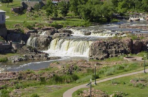 Unexplained Loud Booms Heard In Sioux Falls, South Dakota