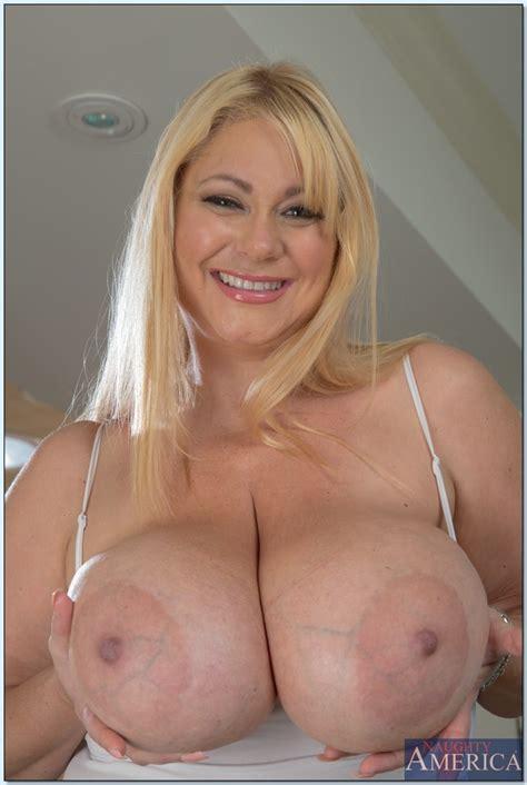 Fat Blonde Is Fucking Her Handsome Lover Photos Samantha