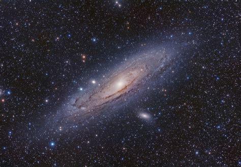 messier   le gentil dwarf elliptical galaxy