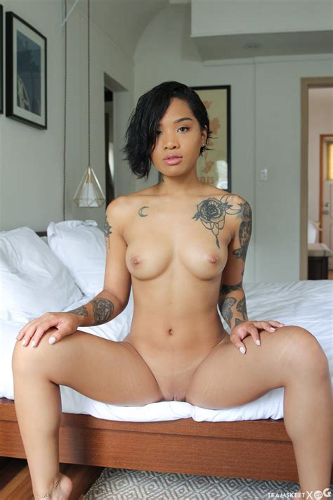 Honey Gold Asian Nubile Gets The Gray Treatment Coed Cherry