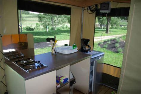 tente de cuisine tente aménagée en lozère près du lac de naussac la