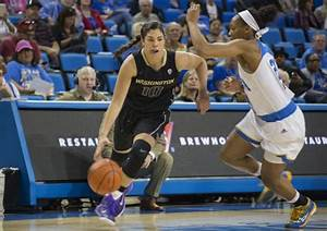 Women's basketball takes down Huskies 63-59 in Washington ...