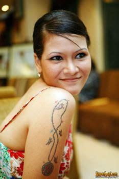 Selebritis Wanita Indonesia Yang Bertatto Info
