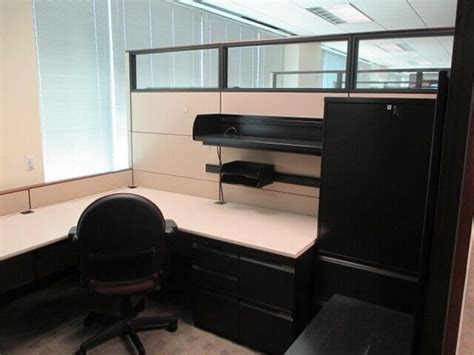 knoll reff  tall panels  cubicles