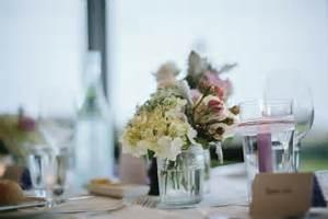 Decoration Table Mariage Pas Cher : d co table mariage 45 compositions florales pour l 39 t ~ Teatrodelosmanantiales.com Idées de Décoration
