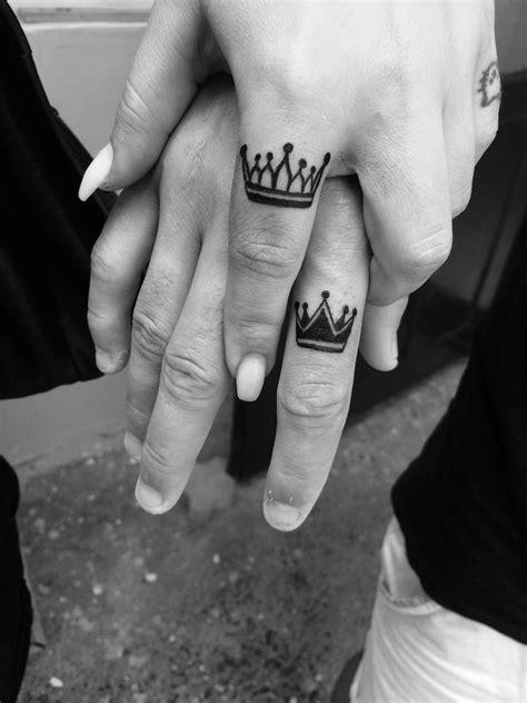 Crown finger tattoo   Crown tattoo men, Crown finger
