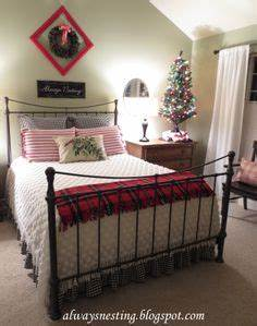 1000 ideas about Christmas Bedroom Decorations on