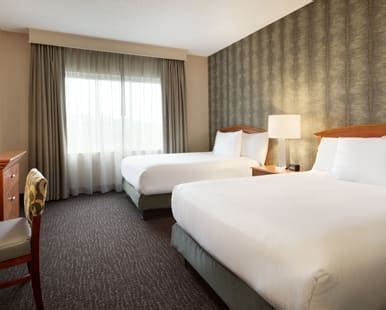 embassy suites nashville south cool springs hotel rooms