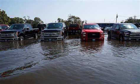 flood car fraud   rise   mud