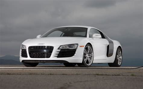 2009 Audi R8 by 2009 Audi R8 Front View Photo 4
