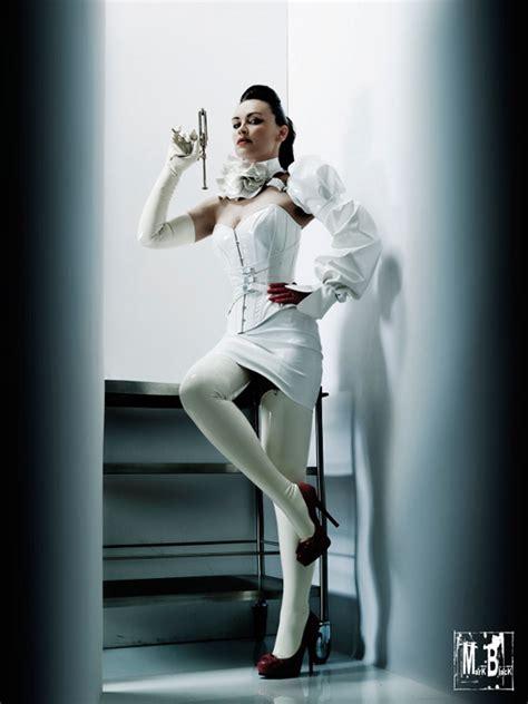 atelier sylphe french corset créatrice corsetière burlesque fashion international