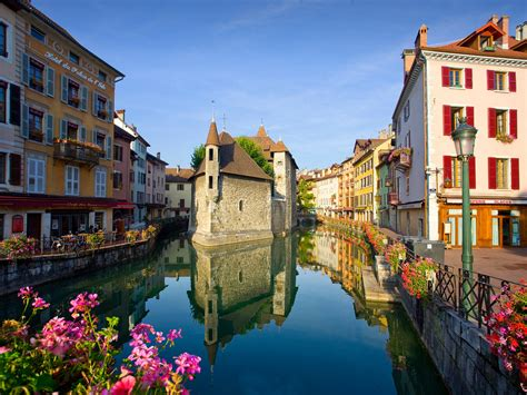 The 10 Most Beautiful Small Towns in France Photos