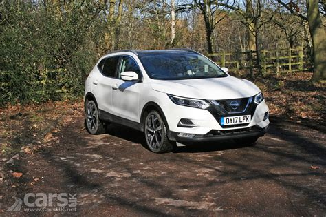 qashqai nissan 2018 2018 nissan qashqai n connecta dci 110 review photos cars uk