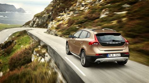 Volvo V40 Cross Country 4k Wallpapers by Car Volvo V40 Wallpapers Hd Desktop And Mobile Backgrounds