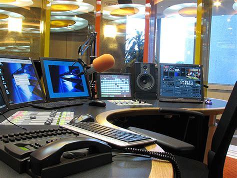 radio studio ronen08 flickr