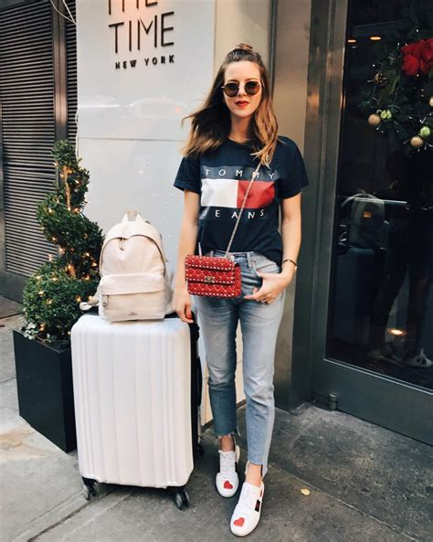 What to wear on an airplane - AOL Lifestyle