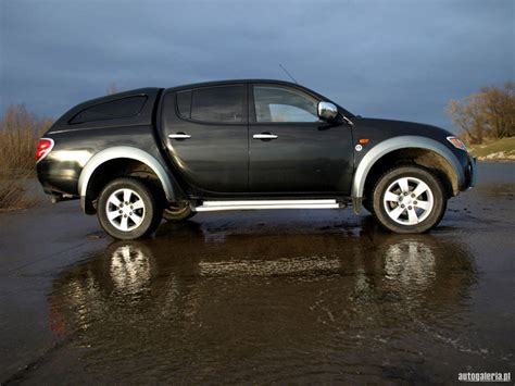 mitsubishi dakar mitsubishi l200 dakar picture 5 reviews news specs