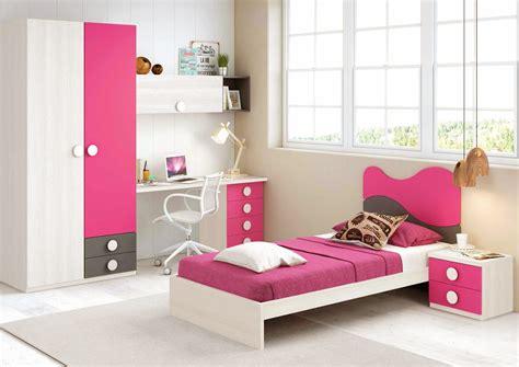 chambre fille de couleur peps avec lit  personne
