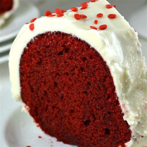 red velvet cake gonna  seconds