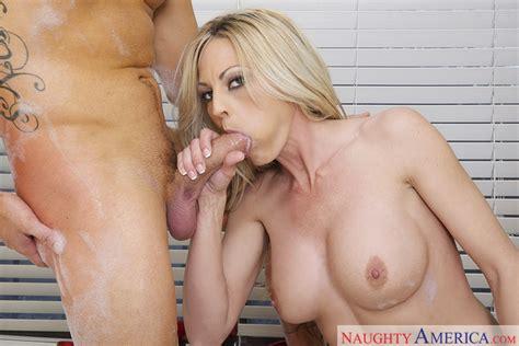 Sindy Lange And Van Wylde In My Friends Hot Mom Naughty