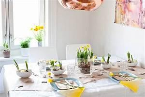 Tischdeko Frühling Geburtstag : oster und fr hling tischdekoration f r fr hliche stimmung ~ One.caynefoto.club Haus und Dekorationen