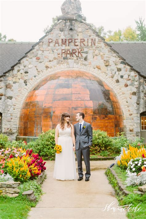 chelsea tyler pamperin park wedding shaunae teske