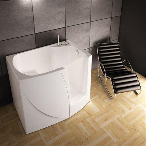baignoire avec porte prix baignoire d angle et solutions pour petits espaces