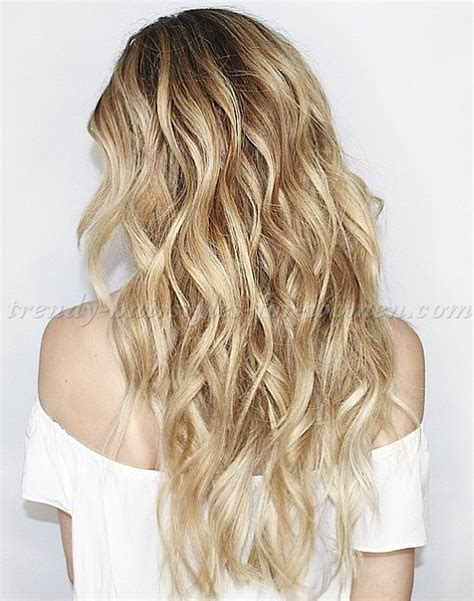hair down hairstyles   long hairstyle with beach waves