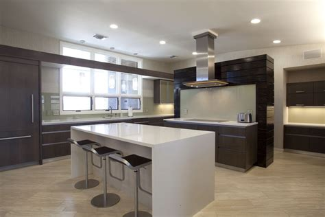 Modern Kitchens With Island by Modern L Shaped Kitchen With An Island And Recessed Lights