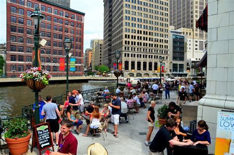 Best Milwaukee Restaurants by Milwaukee Riverwalk Dining Guide Here S Where To Go
