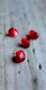 How to Eat a Pomegranate {+Recipe Round-Up} - Rachel Cooks®