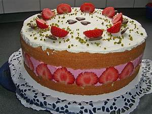 Torte Mit Erdbeeren : erdbeer joghurt sahne torte von patchine ~ Lizthompson.info Haus und Dekorationen