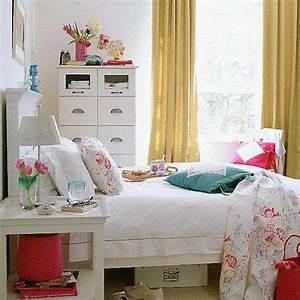 White bedroom pops of color   Home   Pinterest