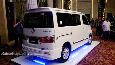 Gambar Mobil Daihatsu Luxio by Daihatsu New Luxio 2014 Tak Sing Autonetmagz