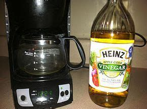 How to clean a coffee pot with vinegar. How to clean your coffee Maker :)   Coffee maker cleaning, Coffee maker, Heinz apple cider vinegar