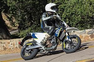 Husqvarna 701 Supermoto : husqvarna 701 supermoto review how to shame sportbikes ~ Medecine-chirurgie-esthetiques.com Avis de Voitures