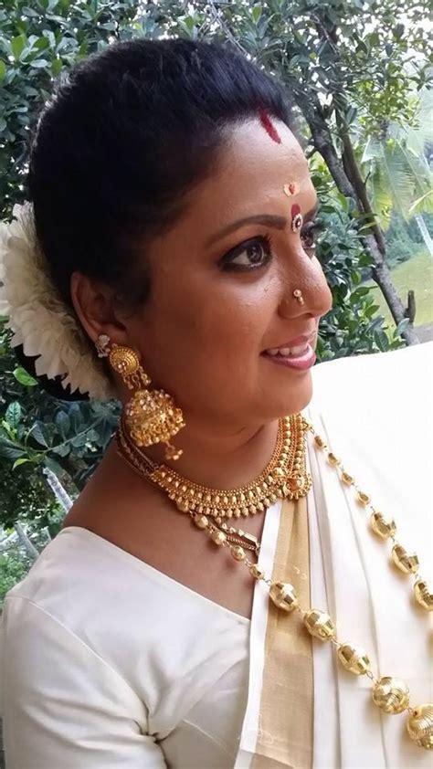 roopasree chandanamazha serial actress kerala channel
