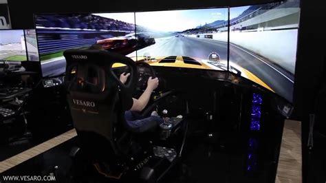 simulateur de conduite avec 3 écrans oled hd incurvés