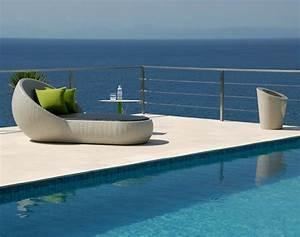 Chaise Longue Piscine : chaise longue design par lebello au profil caract ristique ~ Preciouscoupons.com Idées de Décoration