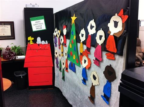 cubicle christmas decorations 9 cubicle dwellers with serious spirit mnn nature network