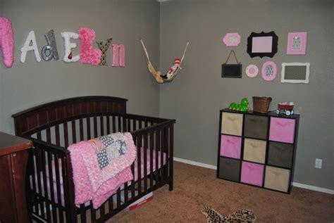 decoration chambre bebe gris rose visuel