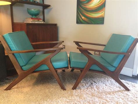 bassett z style chairs turquoise cushion great