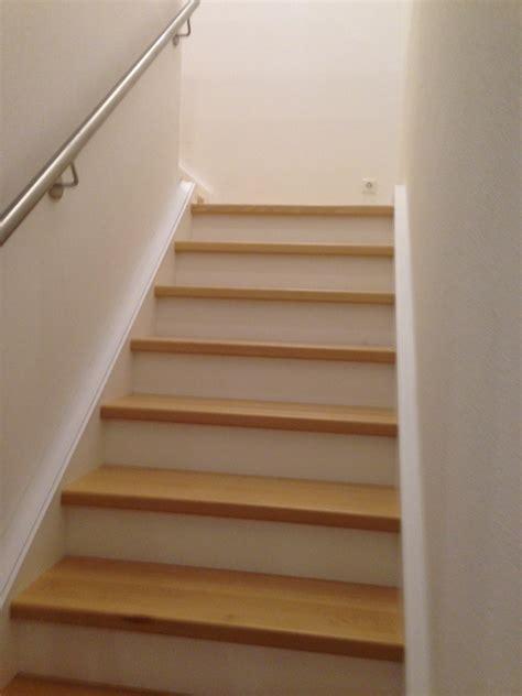treppe zwischen zwei wänden treppenarten