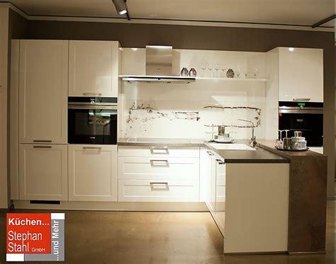 Bauformat-musterküche Moderne Küche Mit Halbinsel