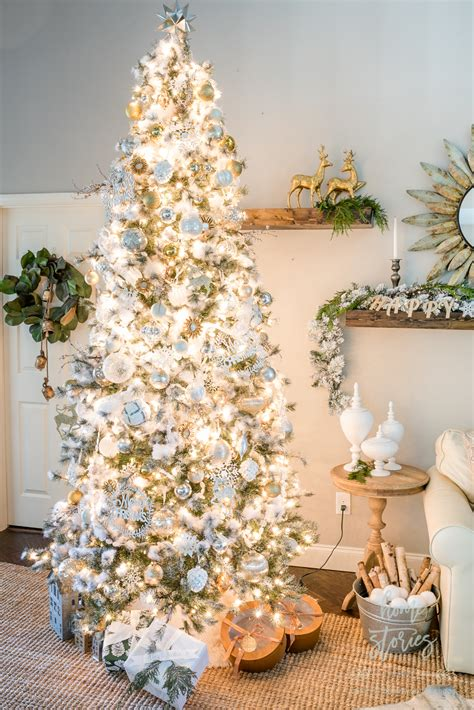 neutral christmas tips  decorating  silver  gold