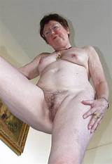 Photo Strongly hairy pussy