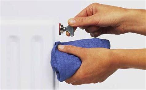rubinetto termosifone cosa fare se non arriva l acqua calda dal rubinetto