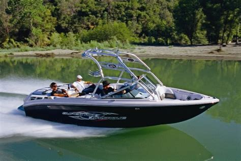 Boating Magazine 2007 Boat Of The Year by Co Nz Air Nautique 220 Wins Import Boat Of