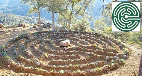 garden labyrinth plans labyrinth garden designs gardens garden backyard ideas pinter