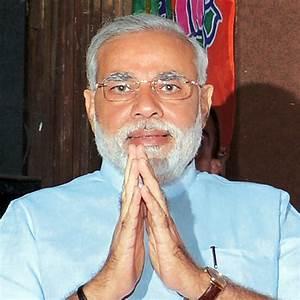 Modi's popularity soars, BJP rolls out offline ...